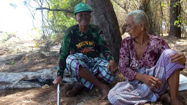 Soon after their marriage, Daeng Abu and Daeng Maida became a rather unlikely pair of environmental activists (Credit: Theodora Sutcliffe)