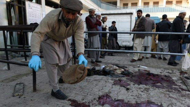 Pakistan mourns Quetta blast victims, lawyers boycott courts