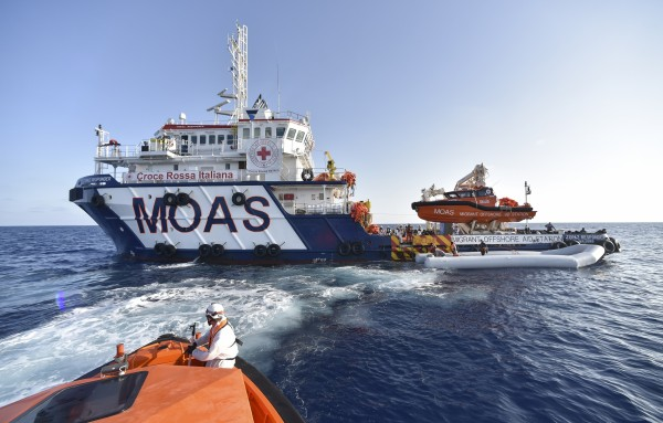 Italy threatens to close ports to migrant ships
