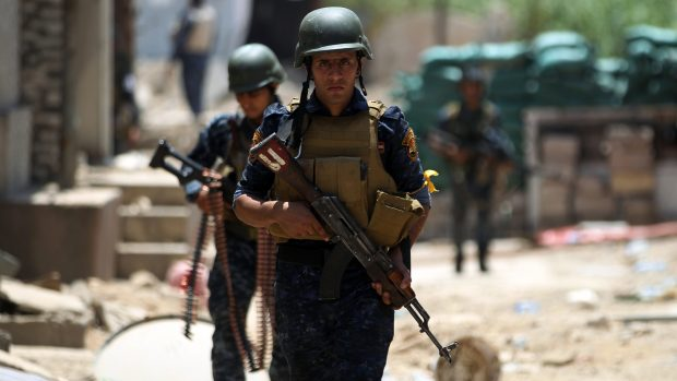 Iraqi forces seize villages, advance on last Daish den