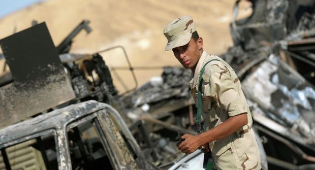 Egyptian soldiers killed in vehicle bombs