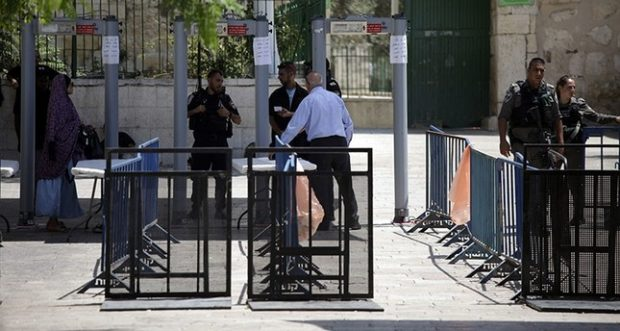 Jew Detector: Israel Removes All Security Devices It Placed At Aqsa