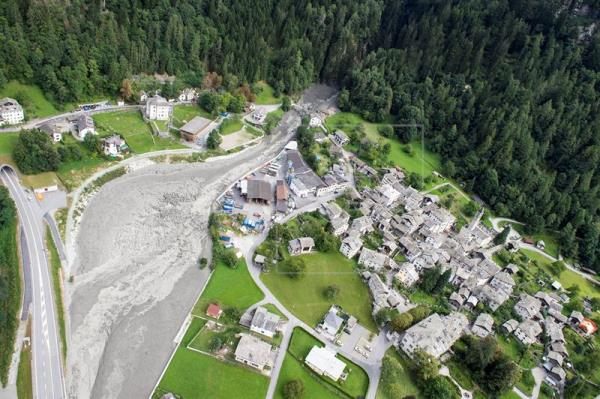 8 missing after landslide in Swiss Alps
