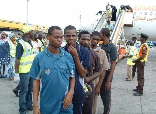 FG repatriates 1213 Nigerians from Libya in Q1 of 2018 - Envoy