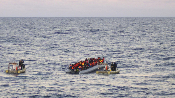 UNHCR says at least 218,000 migrants crossed the Mediterranean by boat last year and 3,500 lives were lost. (File Photo: AP)