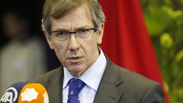 UN Special Envoy to Libya, Bernardino Leon speaks during a press conference at the Palais des Congres of Skhirate 30 km south of Rabat, Wednesday, March 25, 2015. (AP Photo/Abdeljalil Bounhar)