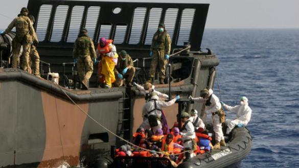 لاجئين-قبالة-السواحل-الليبية%E2%80%8E