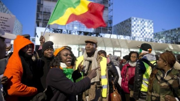 Gbagbo supporters arrive at the ICC to back the former president at the start of the trial