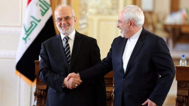 Iraq's foreign minister (L), here with his Iranian counterpart, offered to mediate