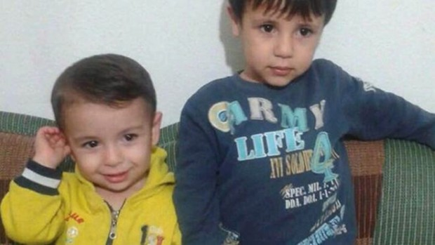 Alan Kurdi (L) drowned trying to make a sea crossing, alongside his brother Galib (R) and their mother