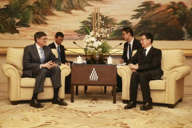 Shanghai Municipality Communist Party Secretary Han Zheng attends meeting with U.S. Secretary of the Treasury Jack Lew, in Shanghai, China, Photo: Retuers