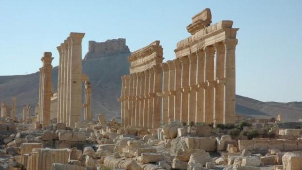 The UN cultural agency, Unesco, has condemned the destruction of Palmyra as a war crime