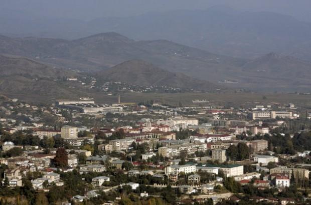 A general view shows Nagorno Karabakh's main city of Stepanakert, in this October 30, 2009 file photo.  REUTERS/David Mdzinarishvili/Files