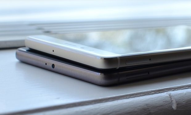 The aluminium bodies, rounded sides and thin design match rivals. The P8 Plus also has an IR blaster in the top. Photograph: Samuel Gibbs for the Guardian