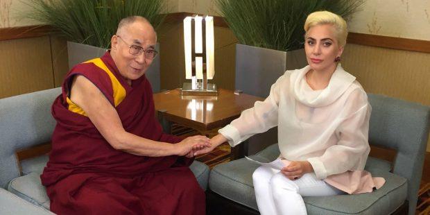 lady-gaga-dalai-lama.jpg.2c3b1781adabba6229fbecc3310845c5