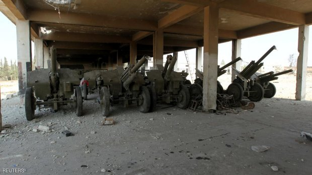 Abandoned military weapons are pictured in an artillery academy of Aleppo, Syria, August 6, 2016. REUTERS/Ammar Abdullah