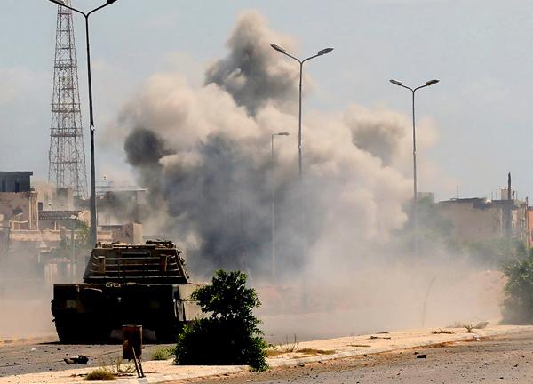 Libyan National Accord military vehicle in Sirte. (MAHMUD TURKIA/AFP/Getty Images)