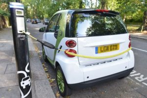 UK to prioritize electric cars on roads and traffic lights