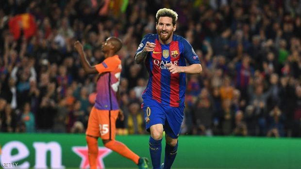 Lionel Messi of Barcelona celebrates after scoring his third and his team's third goal of the game during the UEFA Champions League group C match between FC Barcelona and Manchester City FC at Camp Nou on October 19, 2016 in Barcelona, Spain.  (Photo by Shaun Botterill/Getty Images)