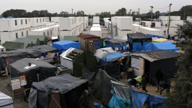 """The French government has said the """"Jungle"""" migrant camp will be dismantled"""