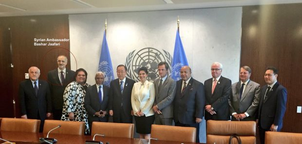 Syrian ambassador Bashar Jaafari, second from left, poses with Ban Ki-moon and other members of the International Association of Permanent Representatives (IAPR).