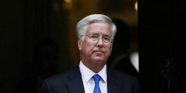 Michael Fallonو British Defence Secretary