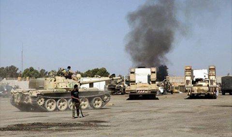 Tanks on Tripoli streets