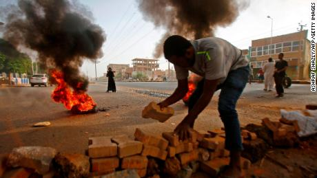 Thousands demonstrate in Sudan to mark 40 days since deadly crackdown